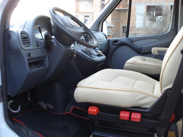Место водителя Mercedes Dodge Sprinter