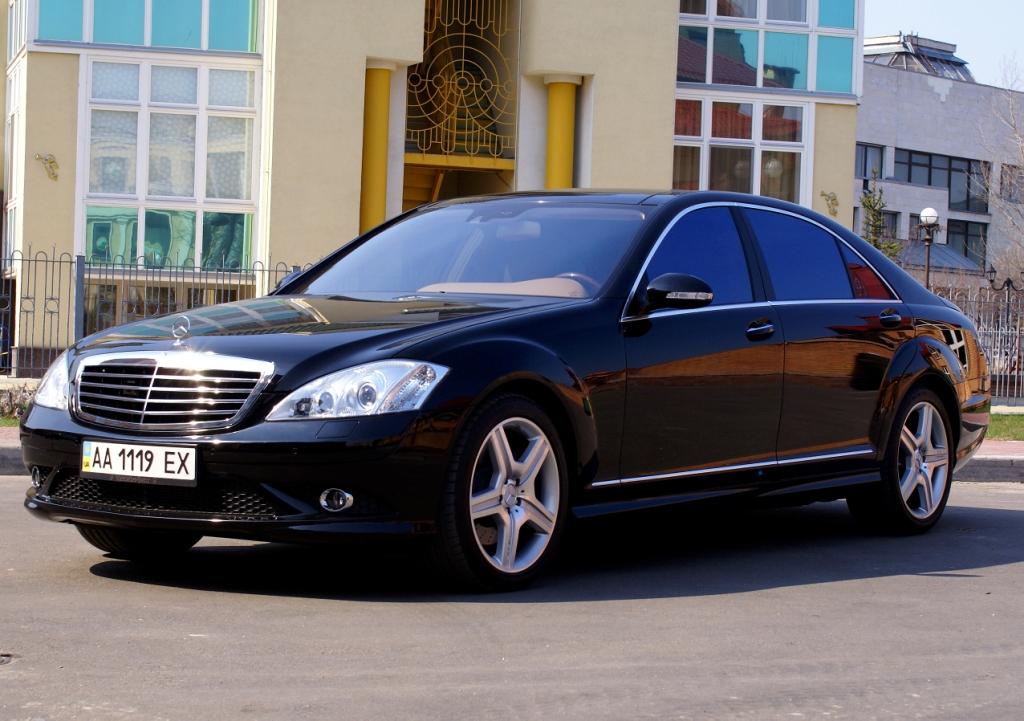 Mercedes Benz S-Class W221